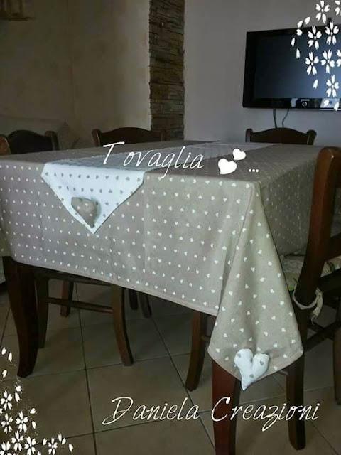 Daniela creazioni tovaglia cuscini per sedie e runner shabby chic - Coordinati cucina country ...
