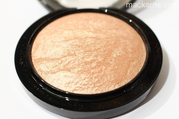 c_SoftGentleMineralizeSkinfinishMAC3