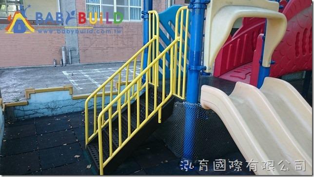 更新為披覆樓梯