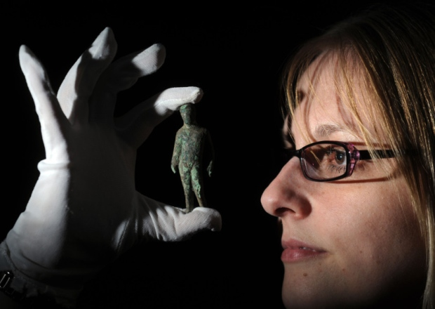 Detectorist finds Mercury figurine in Yorkshire