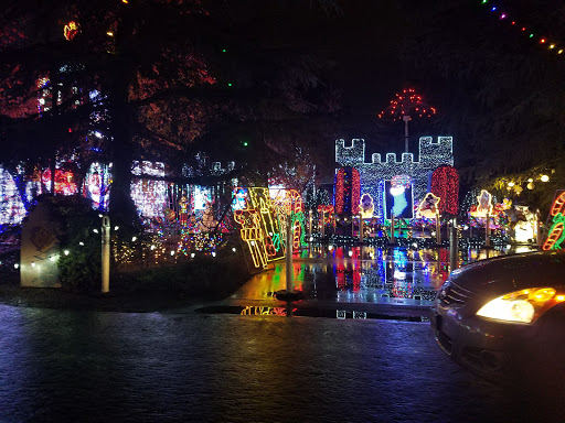 Tourist Attraction Christmas Tree Lane Reviews And Photos Van