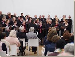 """Boudewijn laat zingen: Boudewijn Knevels, 50 jaar dichter en schrijver. Roland Ramaekers zingt """"Jij bent""""."""