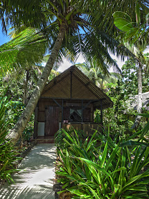 Here's the bungalow we stayed in - awesome setting!