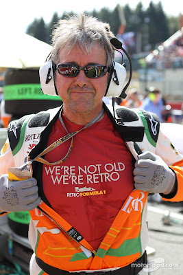 Нил Дики в футболке Retro Formula 1 на Гран-при Бельгии 2012