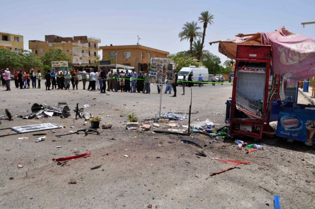 Suicide bomber strikes near temple of Karnak in Luxor
