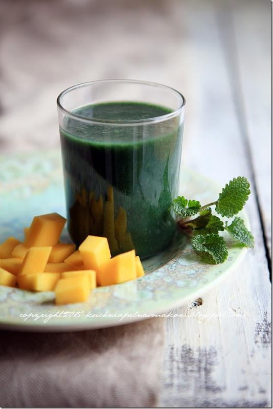 zielony koktajl energetyczny ze spirulina wg Scotta Jurka  (2)