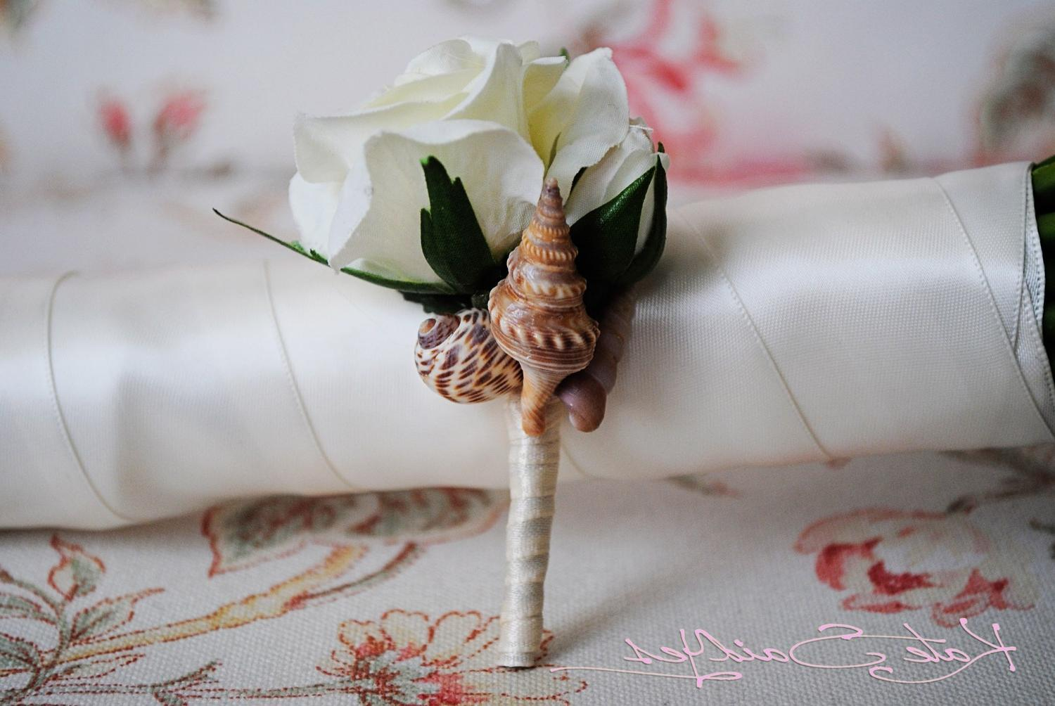 mlotho - 5 Seashell and Ivory Rose Boutonnieres with Marine Blue Ribbon