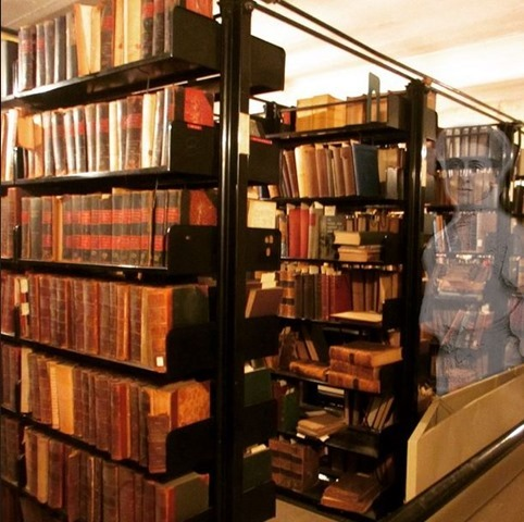 archives shelfie