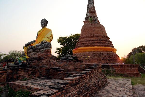 айюттайя руины развалины статуя будды