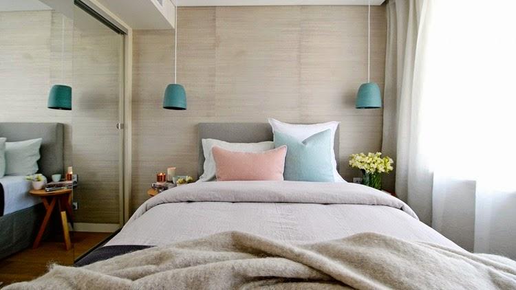 arrumar-travesseiros-na-cama