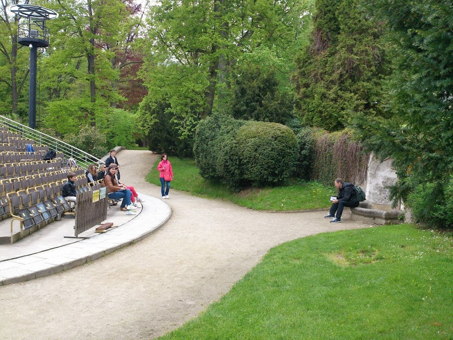 Вращающийся летний театр в парке Крумлова