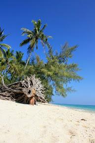 Koh Ngai main beach