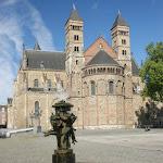 DSC05398.JPG - 30.05.2015.  Maastricht;  Plac Vrijthof - bazylika św. Serwacego