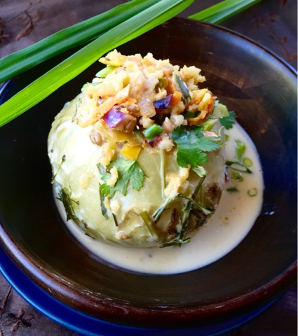 Kohlrabi stuffed with brown rice and barley in coconut milk sauce