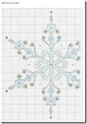 cojin con copo de nive punto de cruz (3)