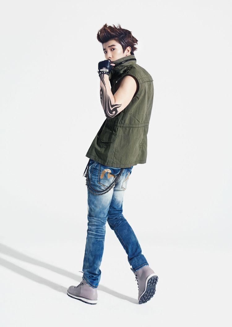 11 cach phoi jeans sanh dieu cho chang  8
