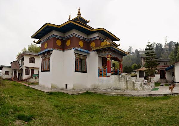 Darjeeling temple дарджилинг пагода