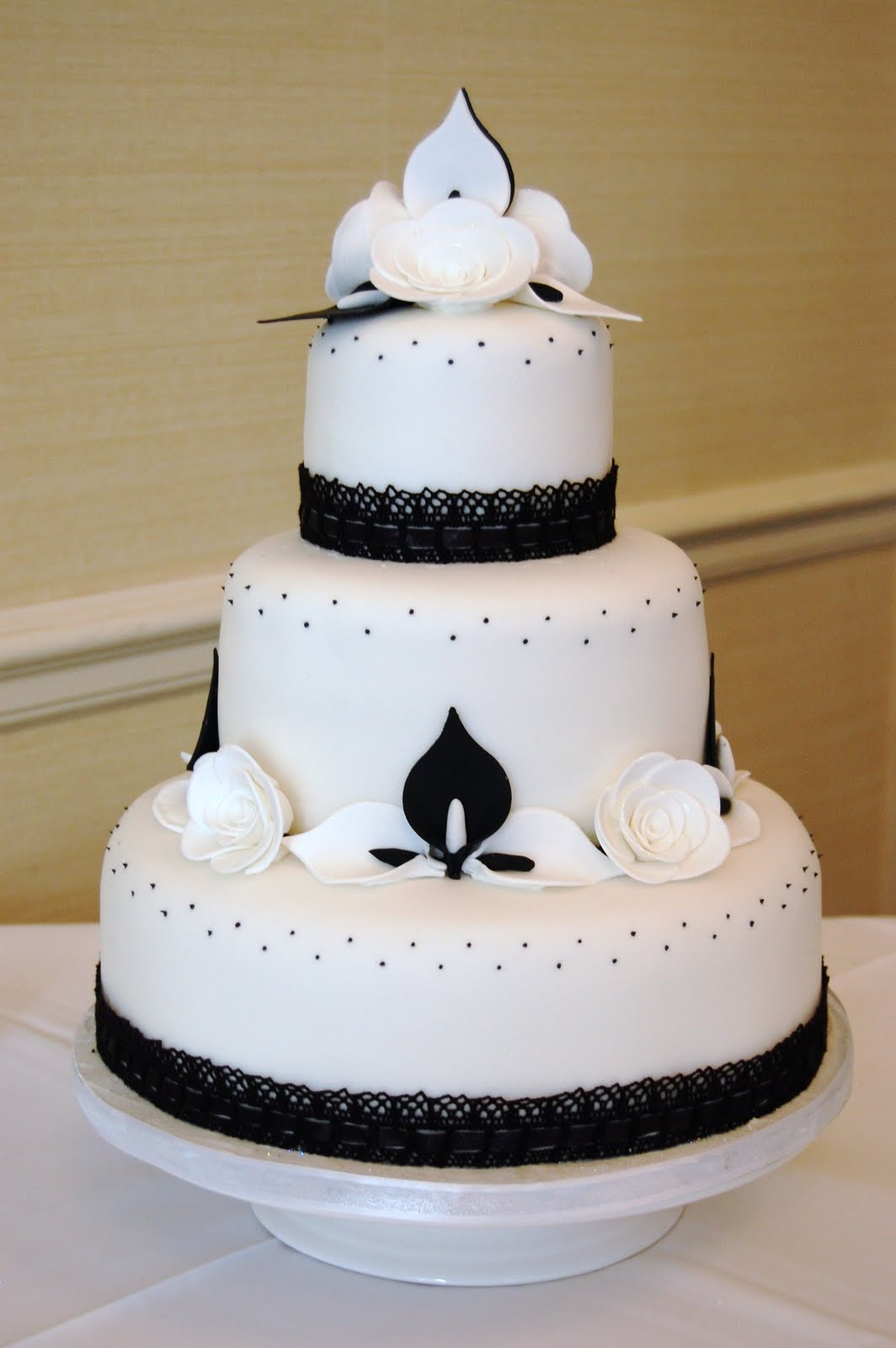 elegant wedding cakes with