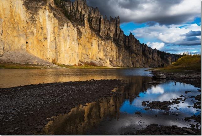 Золотые скалы в Якутии