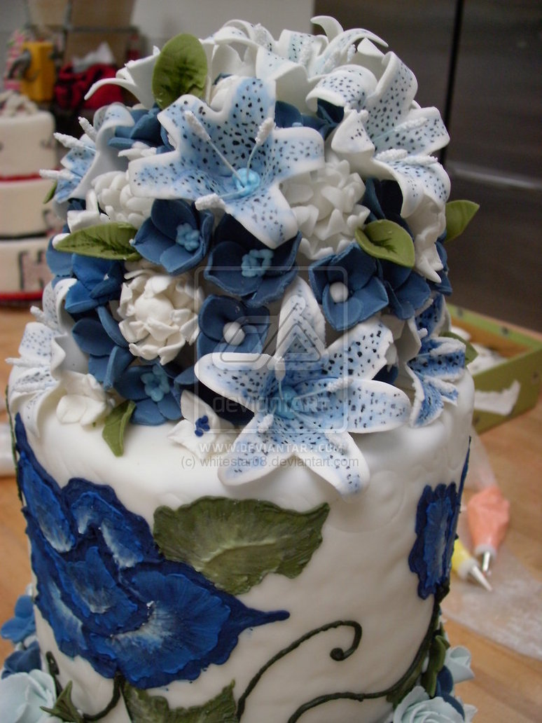 blue wedding cake top flower