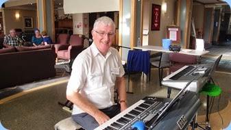 Gordon Sutherland about to play his Korg Pa3X during Happy Hour. Photo courtesy of Dennis Lyons.