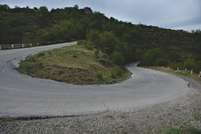 Urcarea spre Signaghi, si dealurile cu pante demne de turul frantei.