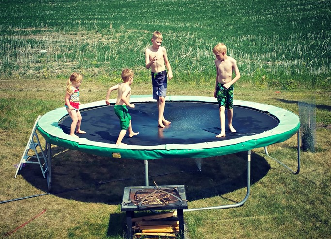 kids on tramp
