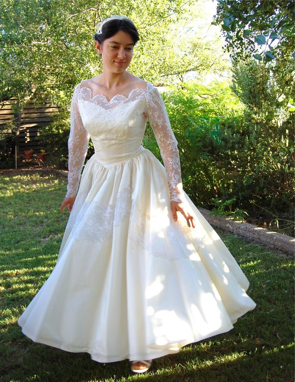 Vintage 50s Cream Taffeta and