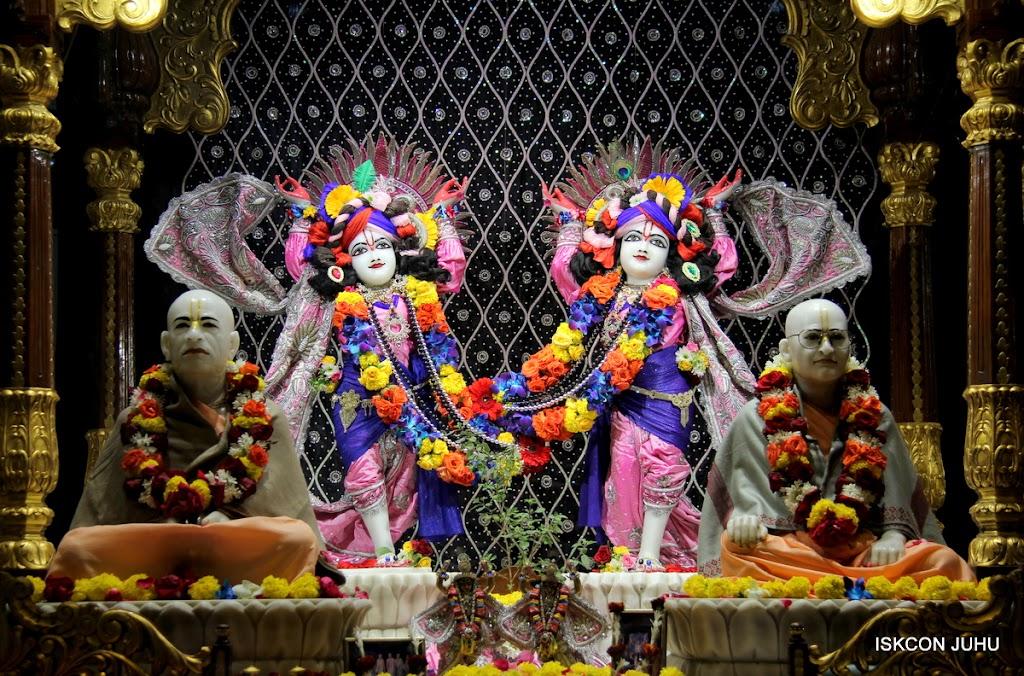 ISKCON Juhu Sringar Deity Darshan 20 Jan 16 (19)