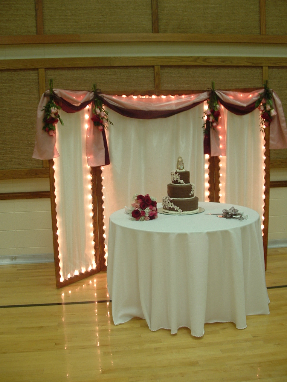 the wedding cake backdrop