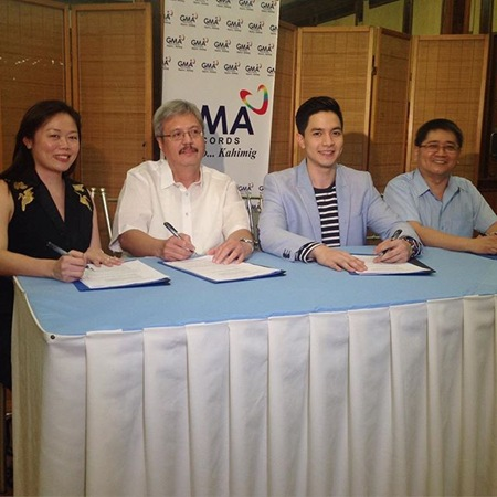Alden Richards signs contract with GMA Records