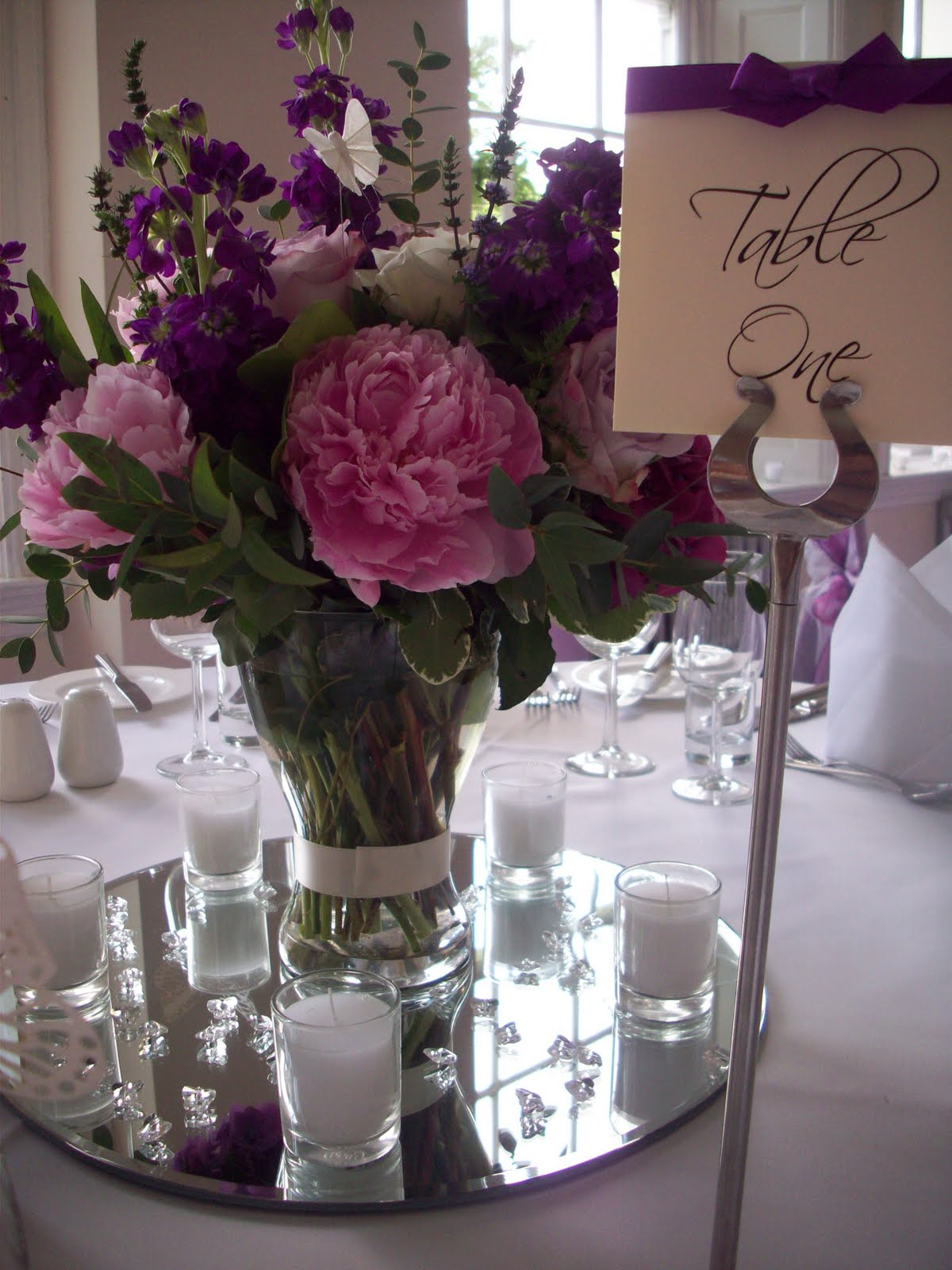 Fan Wedding Programs - Colored scatter crystals centrepiece