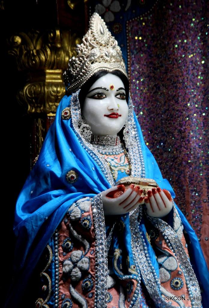 ISKCON Juhu Mangal Deity Darshan 11 Feb 16 (15)
