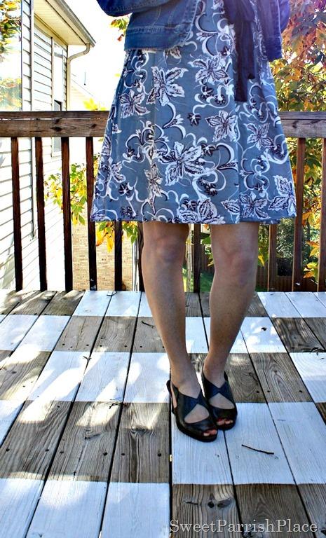 [Floral-dress-denim-jacket-grey-sandals-1%255B3%255D.jpg]