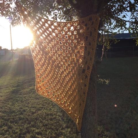 diy chunky yellow bernat collegiate crochet blanket afghan lapghan