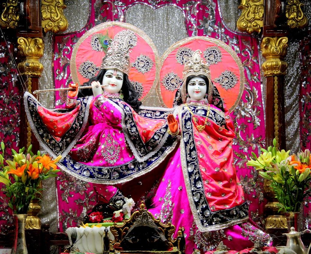 ISKCON Juhu Mangal Deity Darshan 14 Jan 2016 (11)