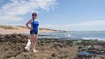 Vera am Felsendstrand während der Ebbe / Вера на пляже во время отлива