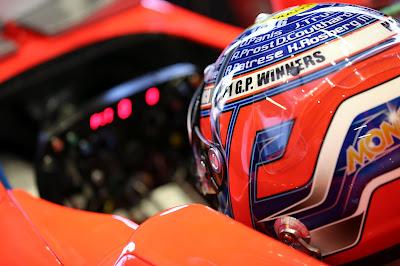 шлем Шарля Пика с именами победителей гонки в Монте-Карло на Гран-при Монако 2012