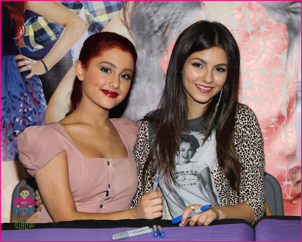 ariana grande planet hollywood