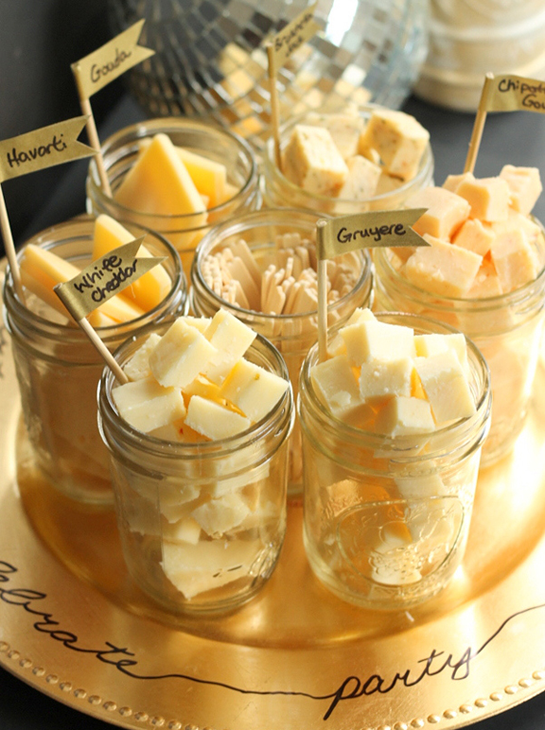 New-Years-Eve-Party-Food-Ideas-Mason-Jar-Cheese-Tasting-Tray