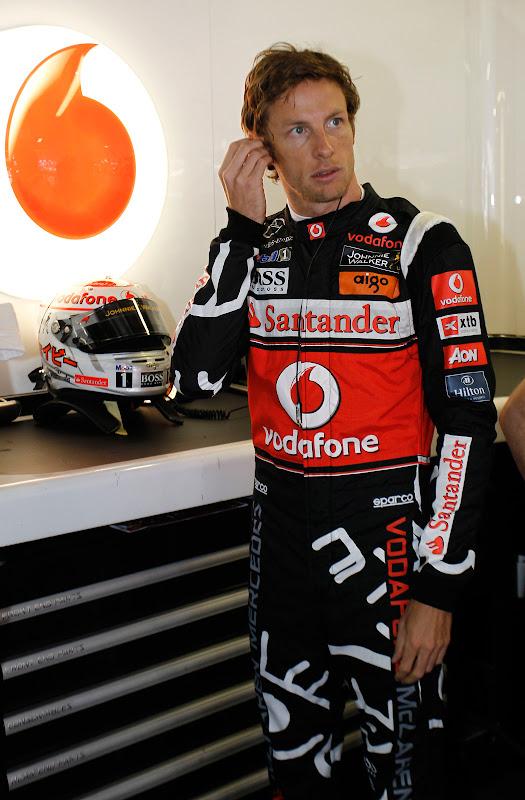 Дженсон Баттон в комбинезоне Hugo Boss специально для Гран-при Монако 2011