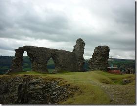 2 castell dinas bran