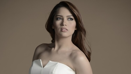 Jane Oineza as Corinne