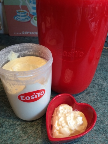 Making Yoghurt with EasiYo