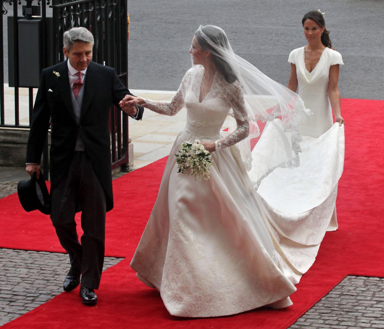 Royal wedding dress to go on