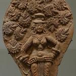 Yaksi, Chandraketugarh, époque sunga. 2e - 1er s. av. J.-C. Plaques moulées. MA 6251.