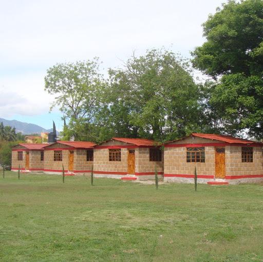 Caba as y jardin de eventos nshathje google for Cabanas de jardin