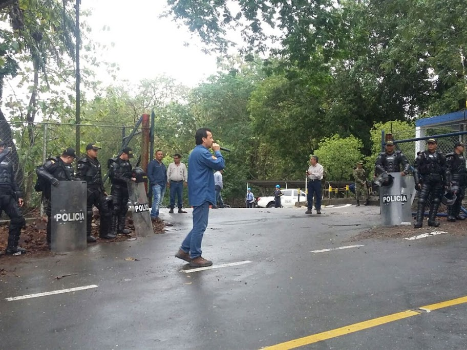 Así recibe Mansarovar a los trabajadores en su tercer día de  huelga