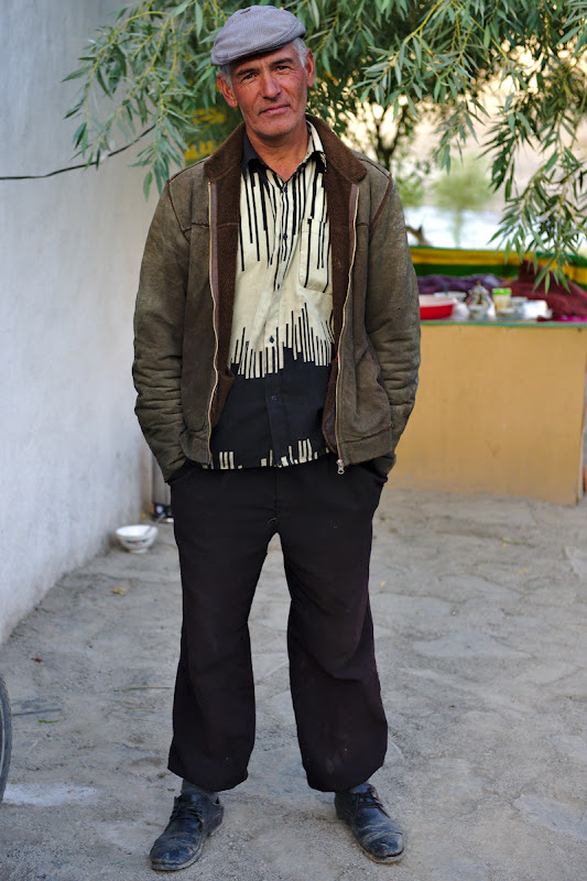 The host for the night. Knowing a bit of russian can get you a long way in the Pamirs as almost everyone speaks some Russian. The host, veteran of the russian afghan war and currently a teacher in the Nisur village.