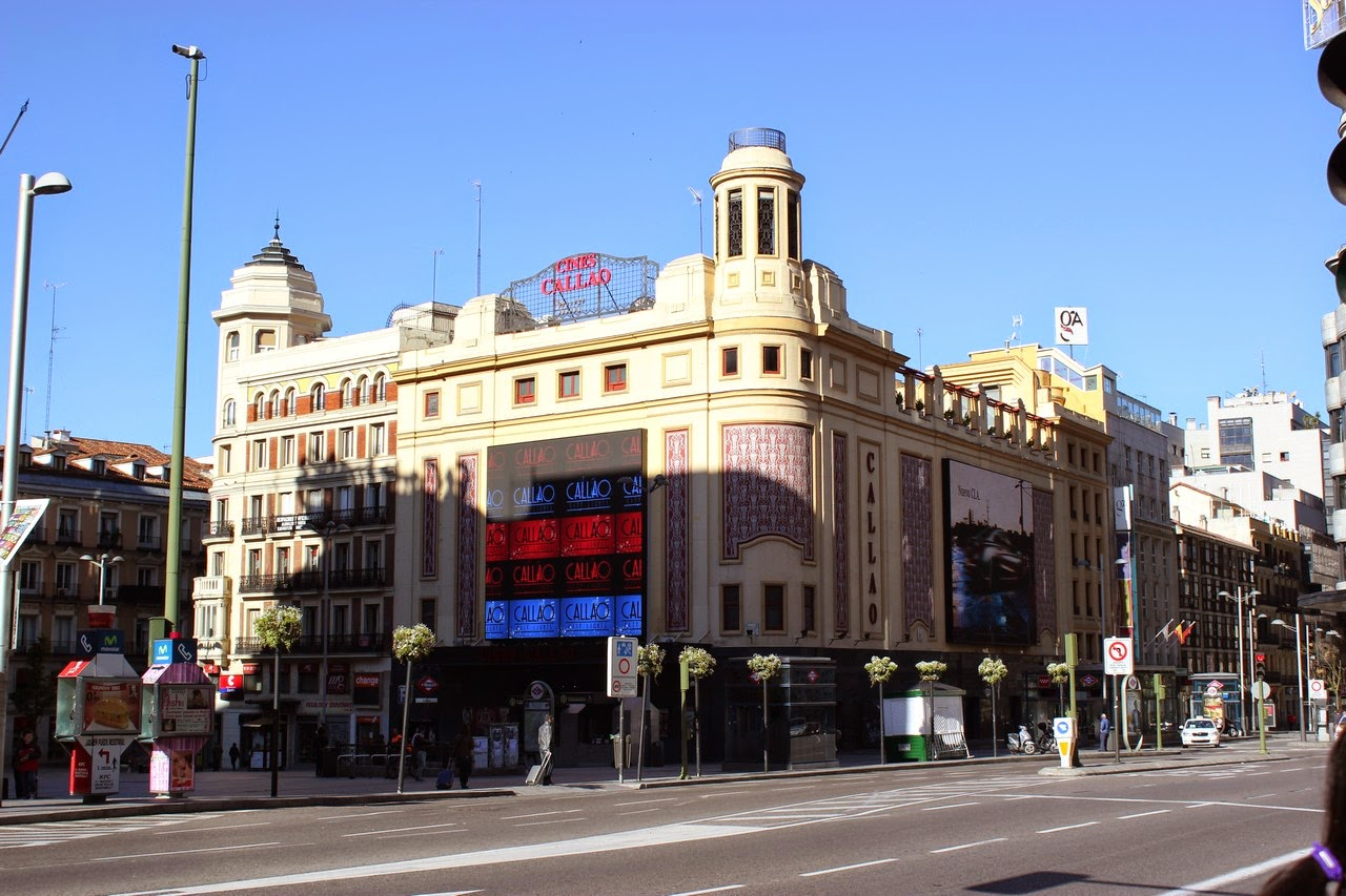 Puerta del sol plaza mayor plaza de oriente plaza espa a templo de debod madrid en tres - Puerta de madrid periodico ...